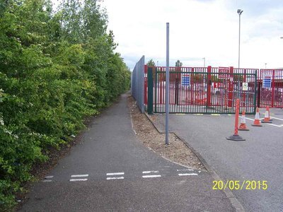at end of Godfrey way by side of Royal Mail depot, access to Crane river path.JPG
