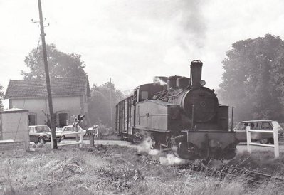 Rural railways Carhaix to Saint Meen, now VV6.jpg