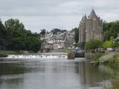 Josselin chateau from the east.jpg